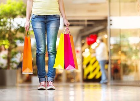 tienda de ropa: Chica de compras