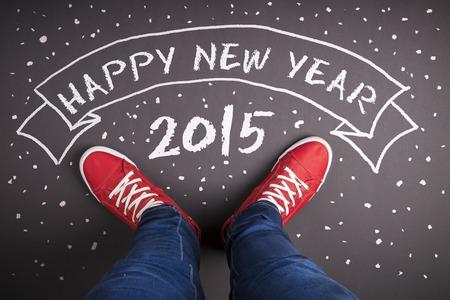 christmas: Kırmızı ayakkabılar ve beyaz tebeşir ile mutlu yeni yıl 2015 konsepti Stok Fotoğraf