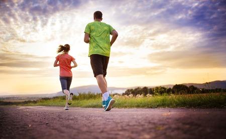 personas saludables: Dos corredores