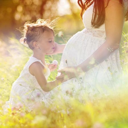 어머니의: 임신 어머니 스톡 사진
