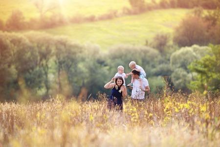 Familj i naturen