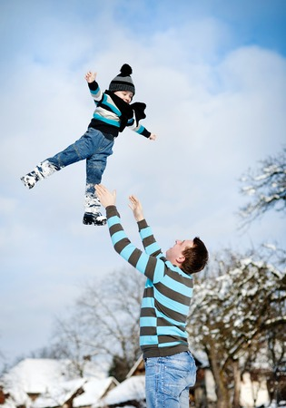 winter people: Family in winter