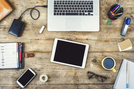 papeles oficina: Escritorio de oficina