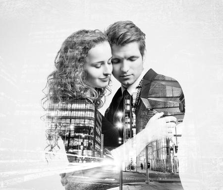 pareja abrazada: Doble exposición de la bella pareja joven inconformista