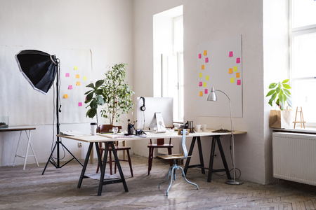 The interior of an empty modern office or a studio. Banque d'images