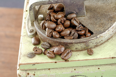 coffee with old grinder Zdjęcie Seryjne - 119433633