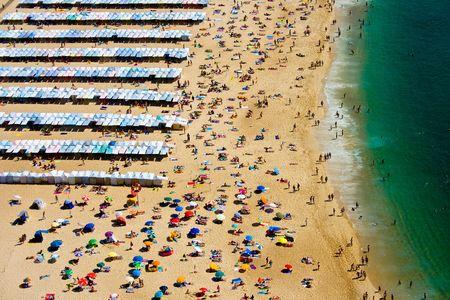 la destination estivale populaire de Nazar Beach, au Portugal Banque d'images