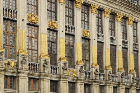 pilasters: pilasters of maison ducs brabants