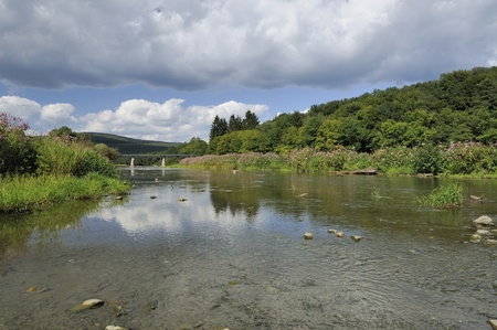 clearness: semois river at haulme