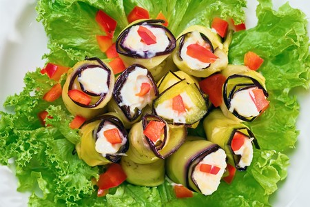 egg plant: Stuffed Egg plant (aubergine) rolls with paprika and mayonnaise
