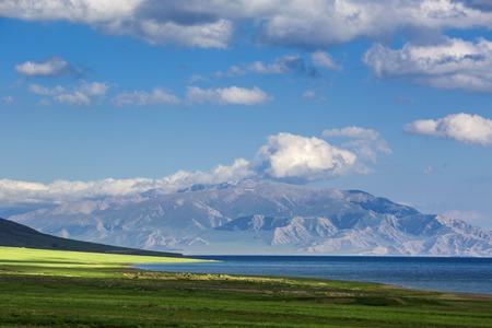 xinjiang: Sailimu Lake, Xinjiang neige