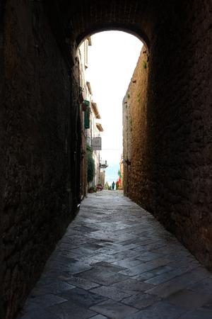 Tuscany village street Stockfoto - 122995316