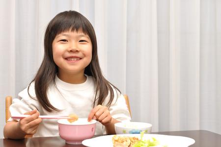 upper school: Girls have dinner