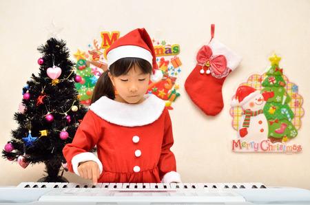 santa claus costume: Santa Claus costume to play the piano girl