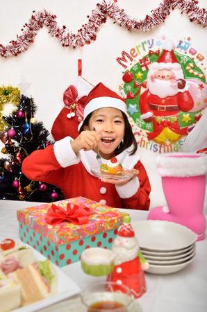 santa cena: Traje de Santa Claus para disfrutar de la niña de la fiesta de Navidad