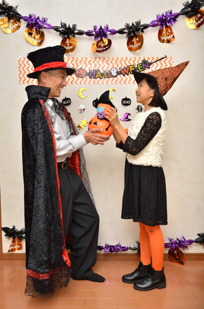 Parent and child enjoy Halloween 写真素材