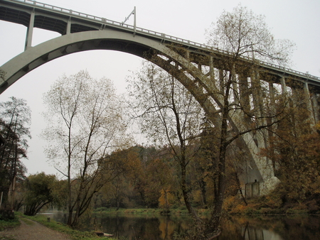 robustness: Reinforced concrete bridge, called Bechynska rainbow, southern Bohemia, Czech Republic