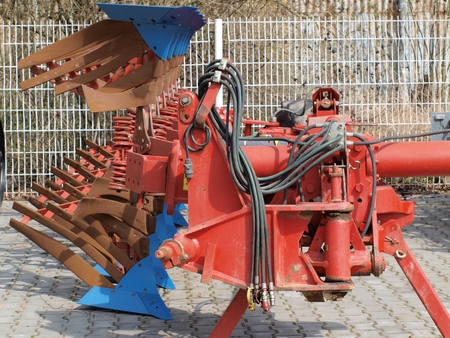 robustness: tillage machine - plow, Czech Republic