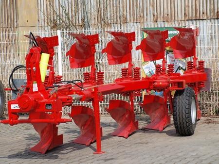 tillage: tillage machine - plow, Czech Republic