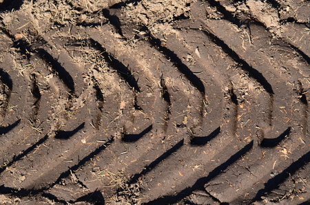 stopy po pneumatikách ve špíně, Česká republika