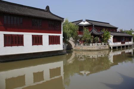 lou: Shanghai Zhao Jia Lou town Editorial