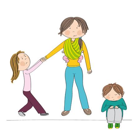 Niña traviesa y celosa que lucha contra la atención de su madre, tira de su mano y se porta mal. Su hermano, niño, sentado en el suelo, triste. Mamá con tercer niño, bebé, en cabestrillo.