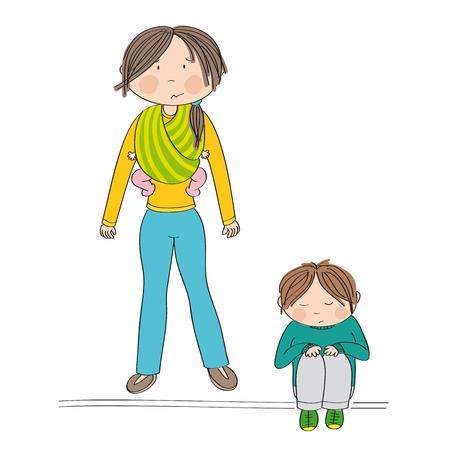 La rivalidad entre hermanos. Triste niño sentado en el suelo estando triste. Su madre, de pie detrás de él, llevaba a su hermana, una pequeña niña, en una honda. Mamá no sabe qué hacer.