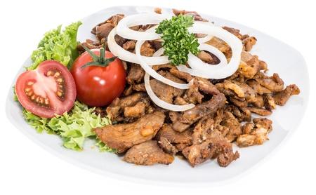 pinchos morunos: Porci�n de carne de Kebab aislado sobre fondo blanco