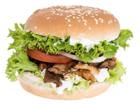 pinchos morunos: Kebab Hamburguesa aislado sobre fondo blanco Foto de archivo