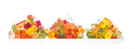 gummi: Mucchio di Gummi Bears isolato su sfondo bianco