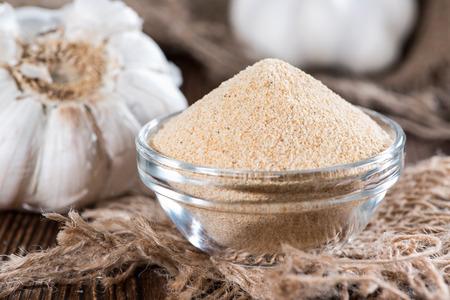 garlic: Small bowl with Garlic Spice (close-up shot)
