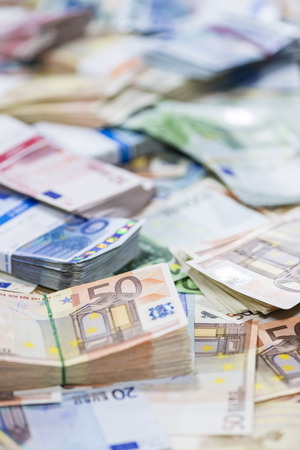 schein: Euro Banknotes (close-up shot) for use as background image or as texture