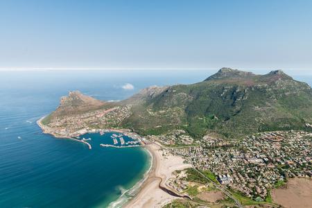 Hout Bay (Cape Town, Zuid-Afrika) luchtfoto shot van een helikopter