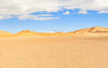 safari in the beautiful Omani Rub al-Chali Desert