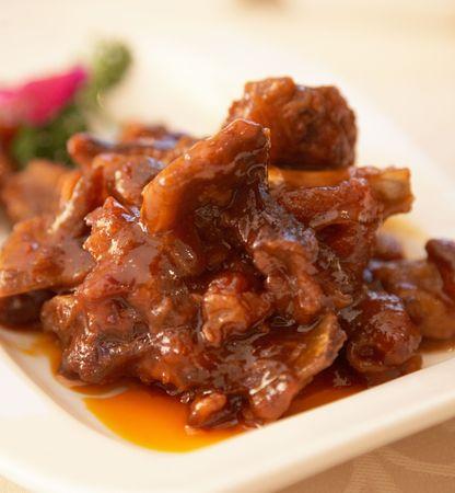 중국 음식 - 달콤하고 신 스페어 리브