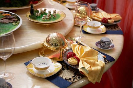 banquets: luxury restaurant table setting