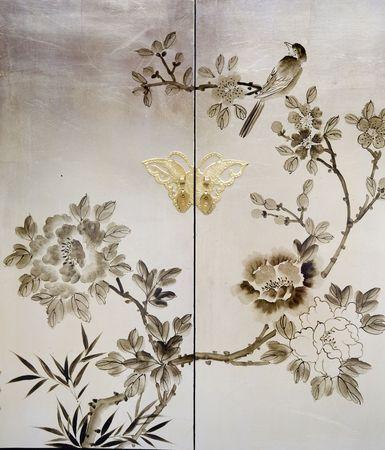 korean fashion: Elegante pintura decorativa en muebles antiguos Foto de archivo