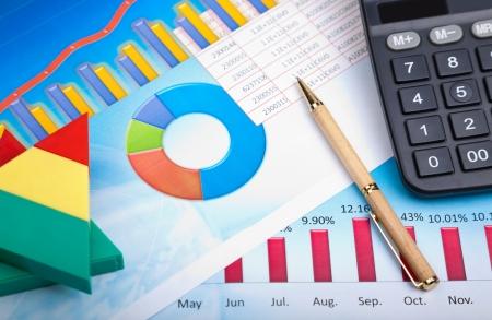 contabilidad financiera cuentas: gr�fico de financiera Foto de archivo