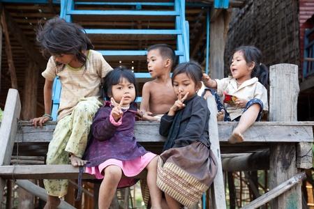 Grupo de ni�os camboyanos Foto de archivo - 10368551