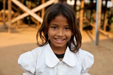 reap: Cambodian girl