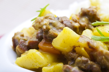 beef curry: Curry beef and potatoes