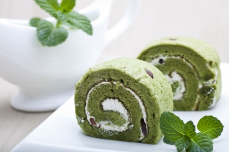 Matcha cake made of green tea powder  photo