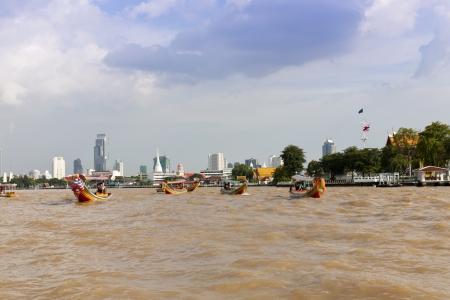 praya: Chao Praya River in Bangkok, Thailand, with boats on the river