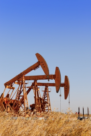 oil derrick: oil pump jacks  HDR