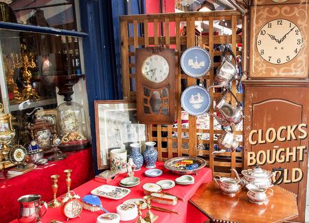Antique shop in Portobello Market, Notting Hill, London, UK Stock Photo - 33028655