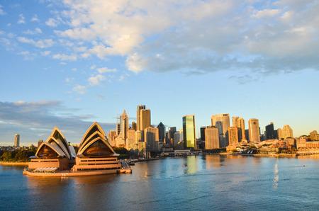 シドニー ・ オペラハウスと市