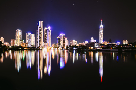 Surfers Paradise Nightscape Reflection Stockfoto