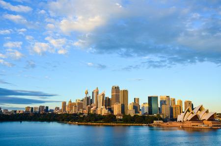 sydney opera house: Sydney Opera House and City