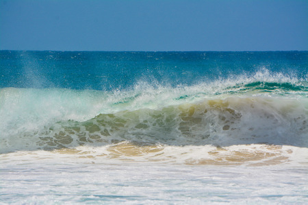 barell: Wave Breaking Gold Coast