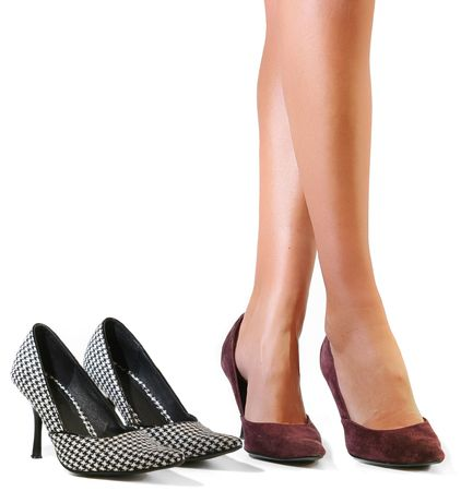 pointy: Sexy legs and shoes, trying to decide.